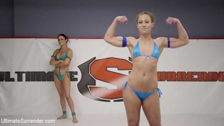 Petite Rookie Sarah Brooke vs Muscle Babe Cheyenne Jewel