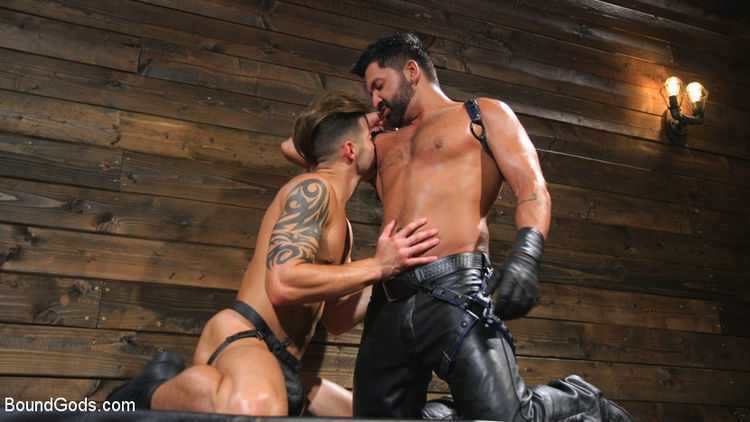 Submissive Stud Casey Everett gets Tied Up and Machine Fucked by a God