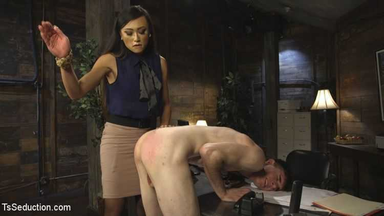 Slutty TA gets T&A from DTF Ts School Administrator VENUS LUX! NSFW!!!