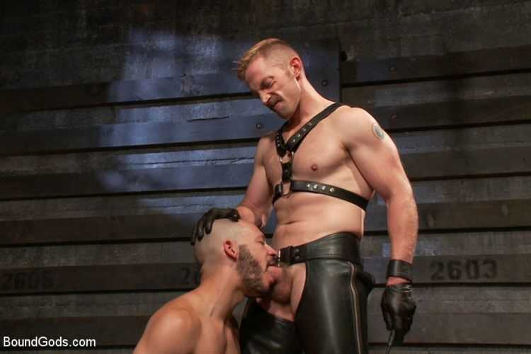 Leather gay sex clip — pic 1