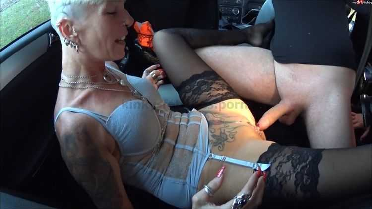 MyDirtyHobby presents lady-isabell666 – 18 jahriger schnell spritzer AO – 18 year old fast spotting AO