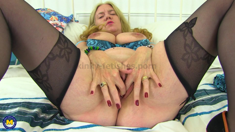Kinky Sex For Men Download | Mature.nl Presents Lily May (Eu) (49) In British Big Breasted Lily May Fingering Herself | Fetish Video Clips & Movies